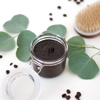 DIY Coffee Body Scrub to Reduce Cellulite