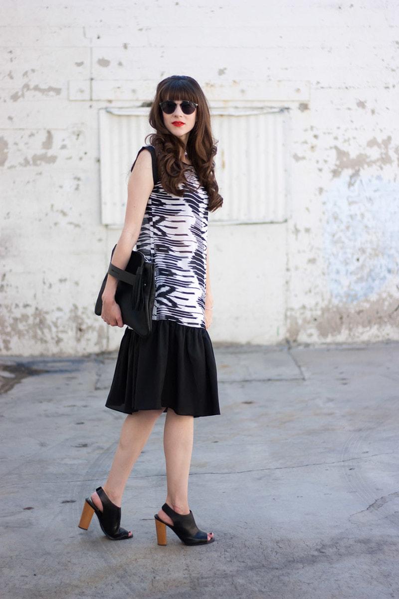 Black and White Print Dress, Oversized Tassel Clutch, Jins Sunglasses