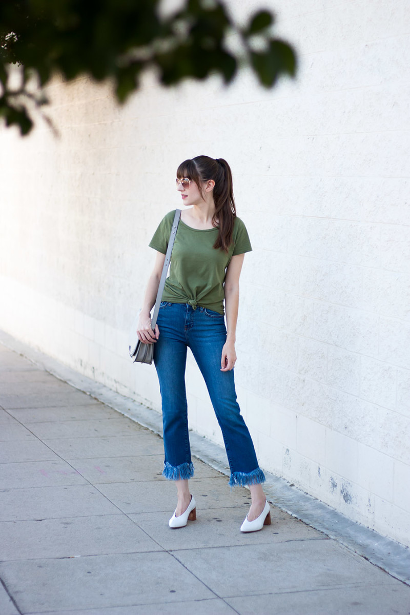 Topshop Fringe Hem Moto Jeans with Tied Front Tee Shirt worn by Jessica from Jeans and a Teacup