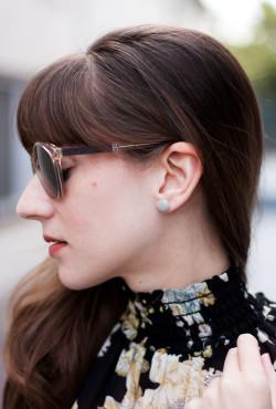 Los Angeles Fashion Blogger wearing minimalist Kate a Moose Earrings