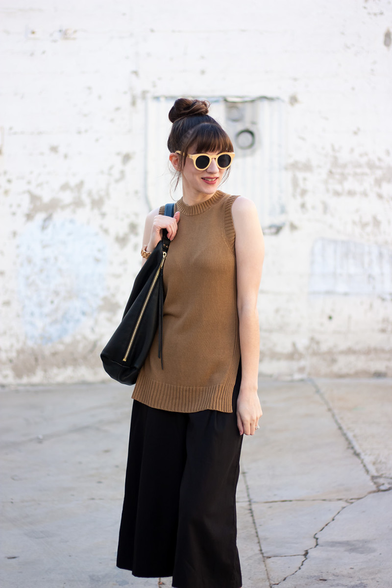Los Angeles Style Blogger wearing an Everlane Knit Tank and Black Culottes