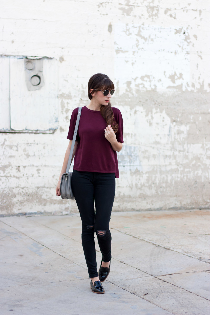 Style Blogger wearing Grana cashmere oversized tee and Everlane Loafers.