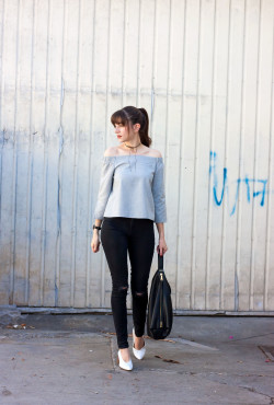 Los Angeles Minimalist Style Blogger wearing Zara top and shoes