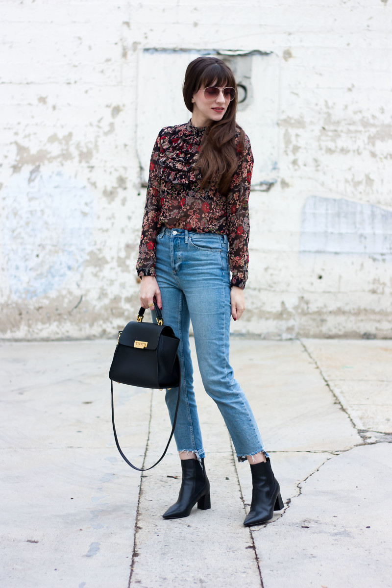 Los Angeles Fashion Blogger styling mom jeans and fall floral blouse
