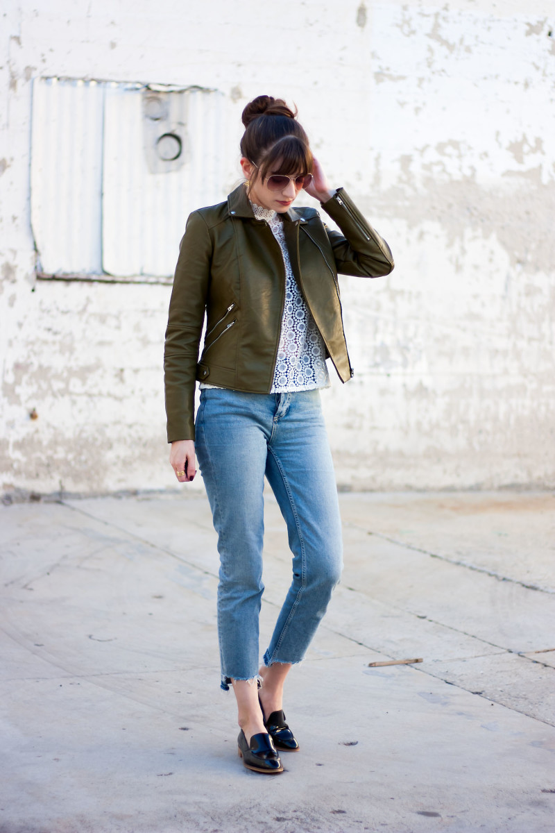 Los Angeles Minimalist Style Blogger wearing Everlane Loafers and Stepped Hem Jeans