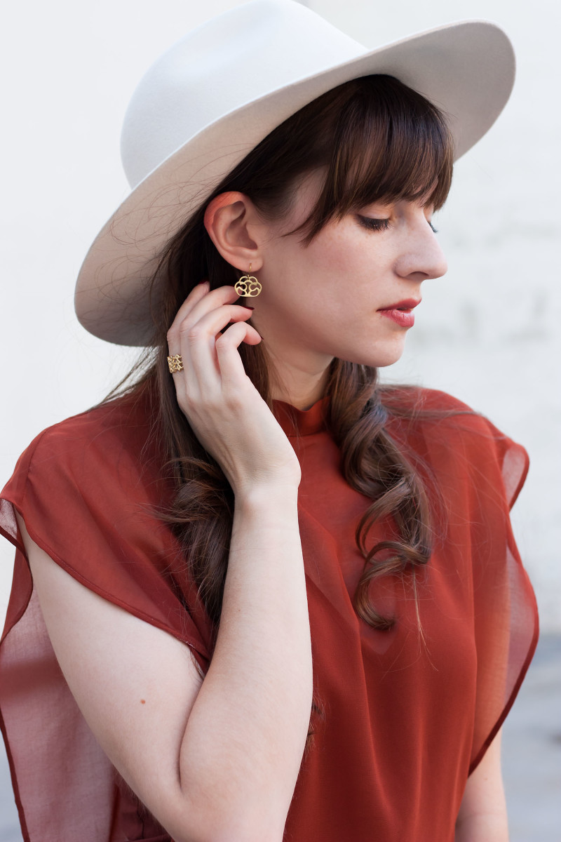 Los Angeles Fashion Blogger wearing Purpose Jewelry earrings.