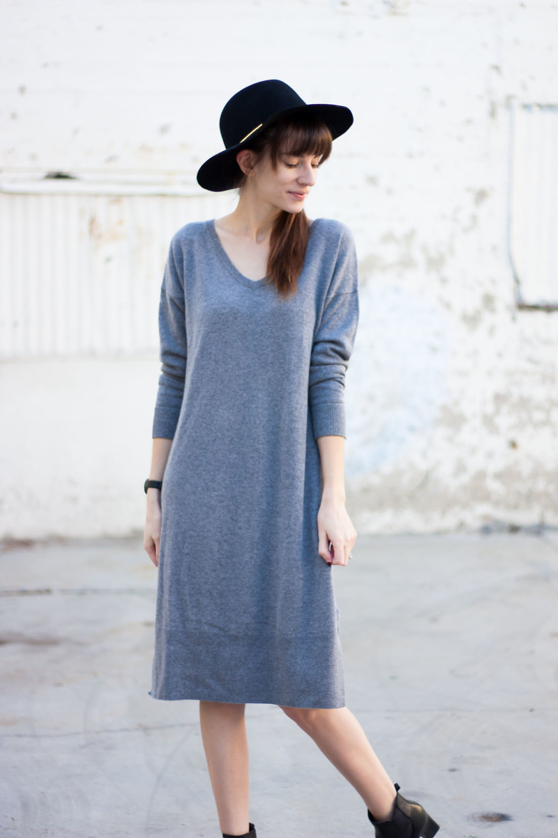 Los Angeles Style Blogger wearing oversized cashmere sweater dress from Grana