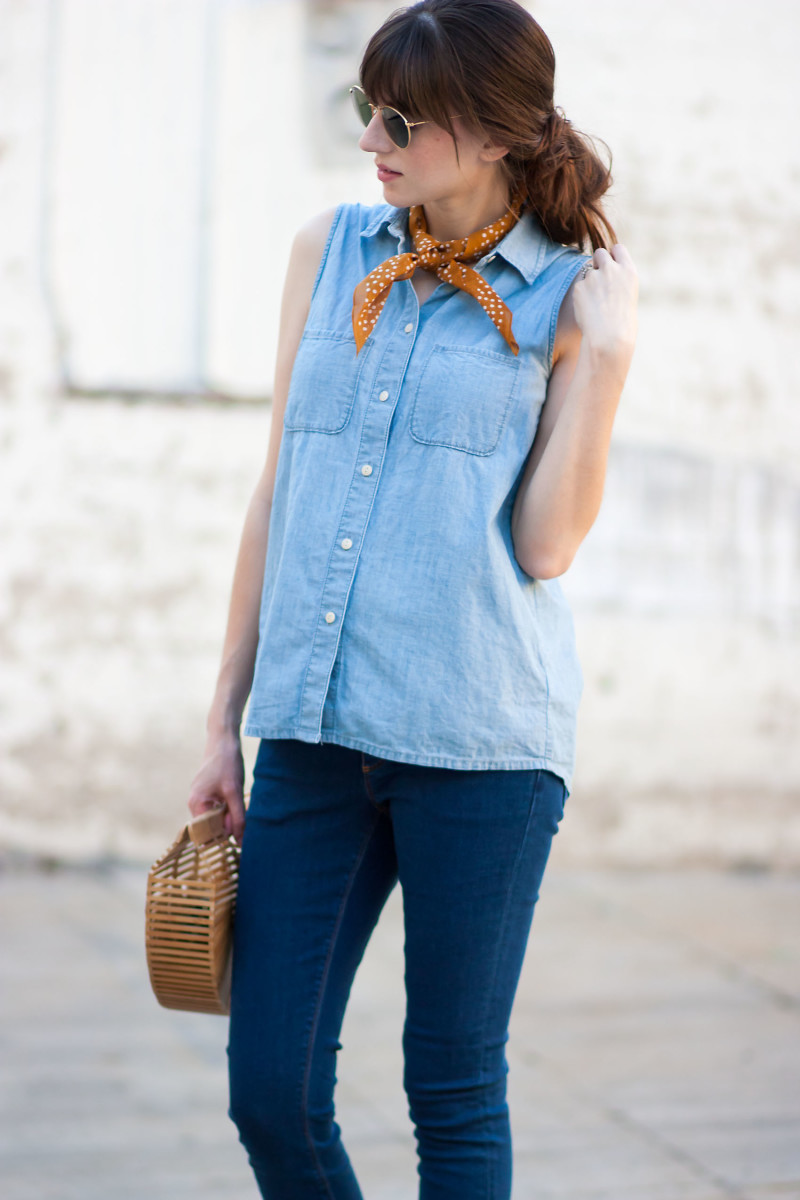Los Angeles Style Blogger wearing Madewell Chambray Shirt and Madewell Bandana