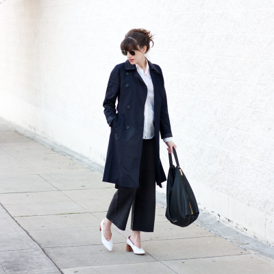 Minimalist Style Blogger wearing Everlane Drape Trench Coat in Navy