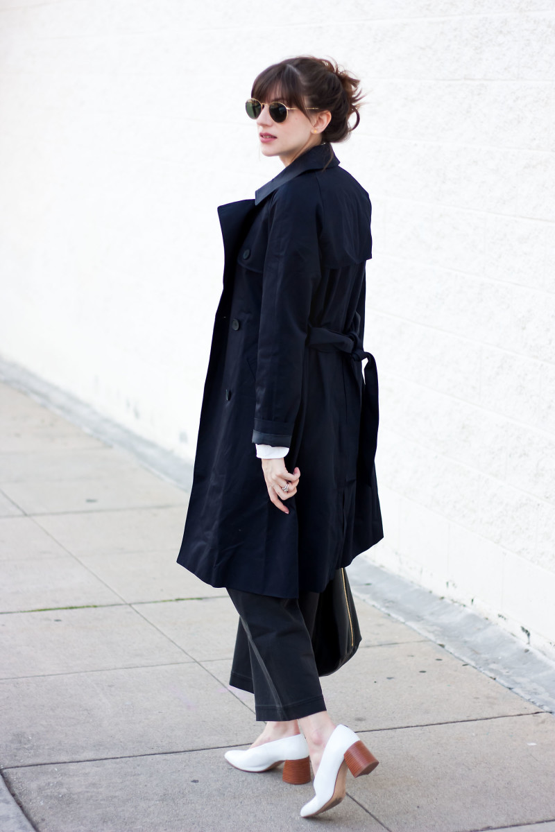 Los Angeles Minimalist Fashion Blogger wearing Everlane Navy Trench Coat and Wide Leg Pants