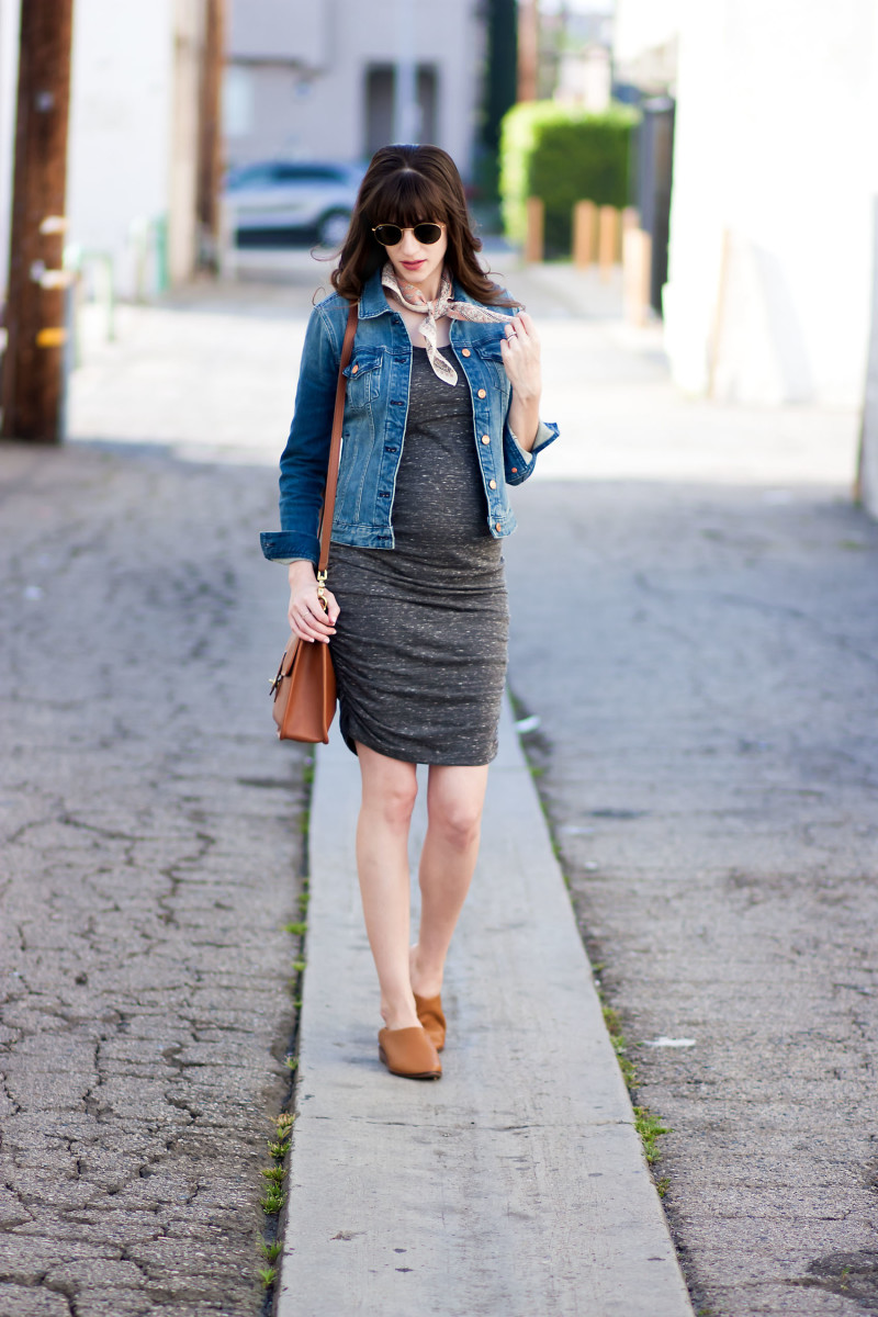 Los Angeles Style blogger wearing maternity dress from Ingrid and Isabel