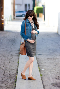 Pregnant Los Angeles Fashion Blogger wearing Ingrid and Isabel