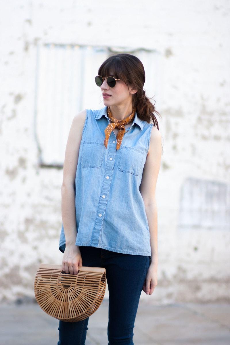 Style Blogger wearing Madewell bandana and rayban sunglasses
