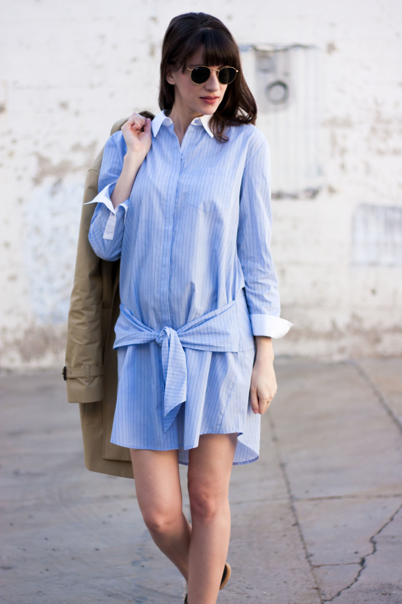 Los Angeles Fashion Blogger wearing tied front shirtdress