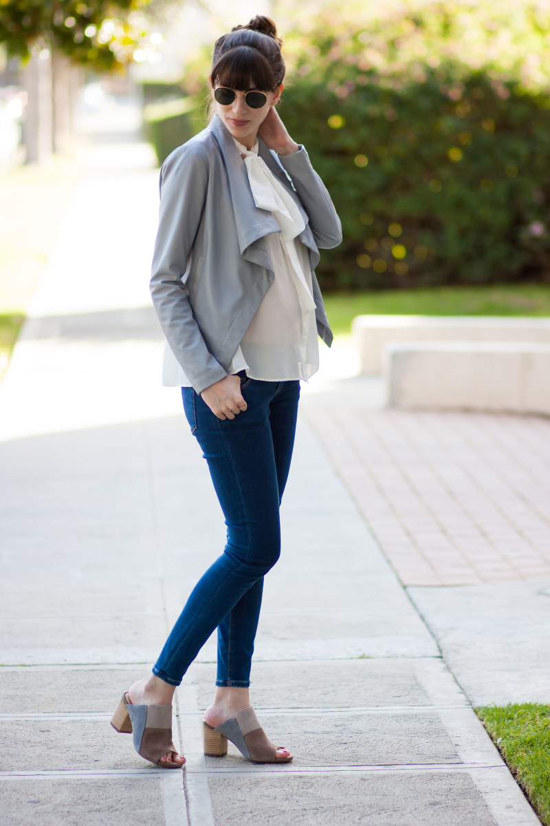 Los Angeles Style Blogger Maternity style wearing ASOS jeans and Hush Puppies mules