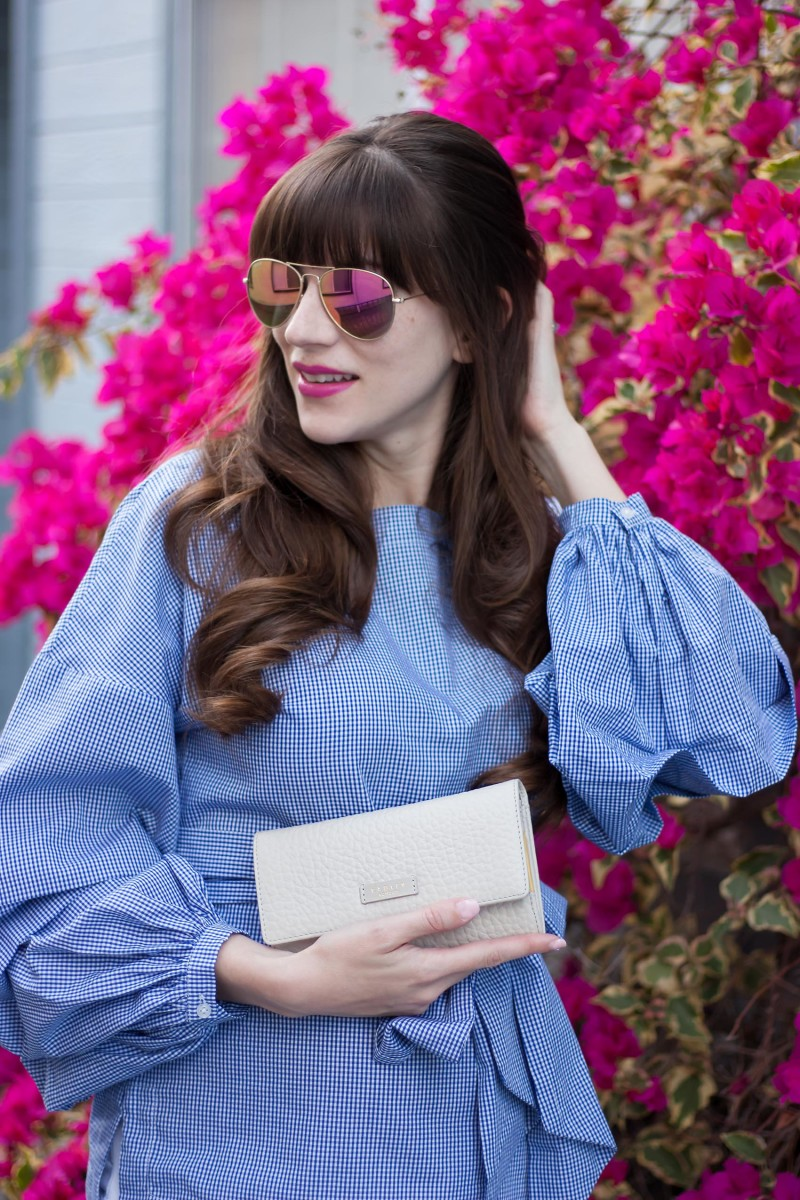 Los Angeles Fashion Blogger wearing Banana Republic Gingham Shirt with Spring Wallet