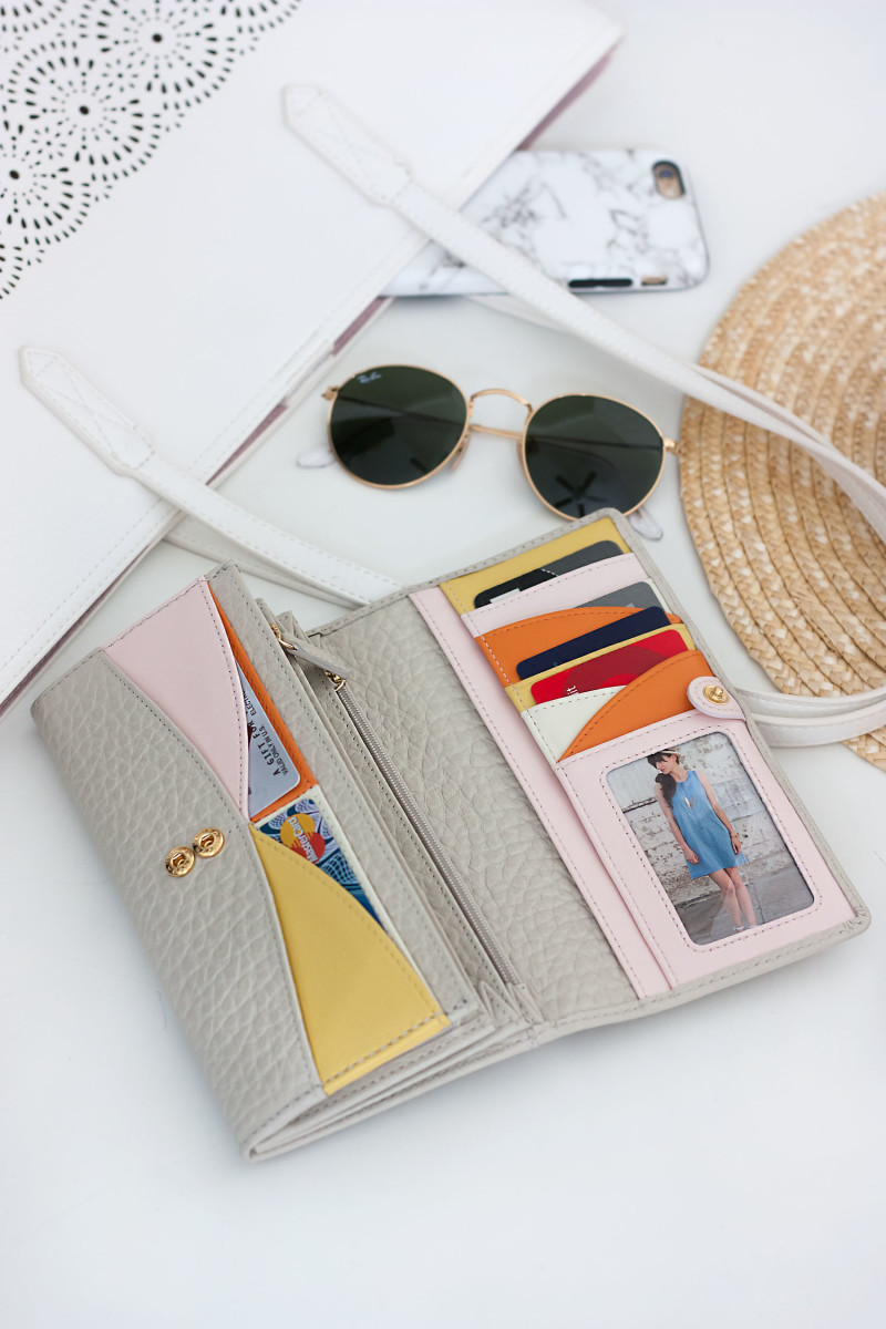What's in My Bag flatlay with the perfect spring wallet