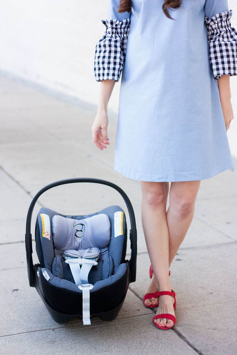 Cybex Car Seat and Los Angeles Blogger wearing a chambray gingham dress