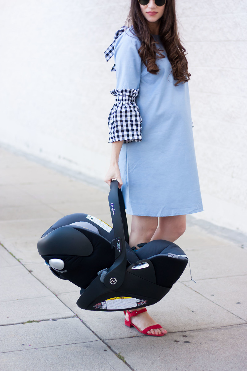 Pregnant Los Angeles Blogger with Cybex Cloud Q Car Seat