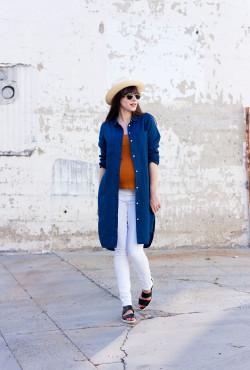 Minimalist Style Blogger wearing Everlane Linen Shirtdress