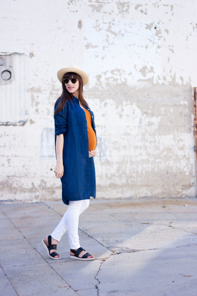 Jeans and a Teacup wearing Everlane Linen dress and Street Sandals