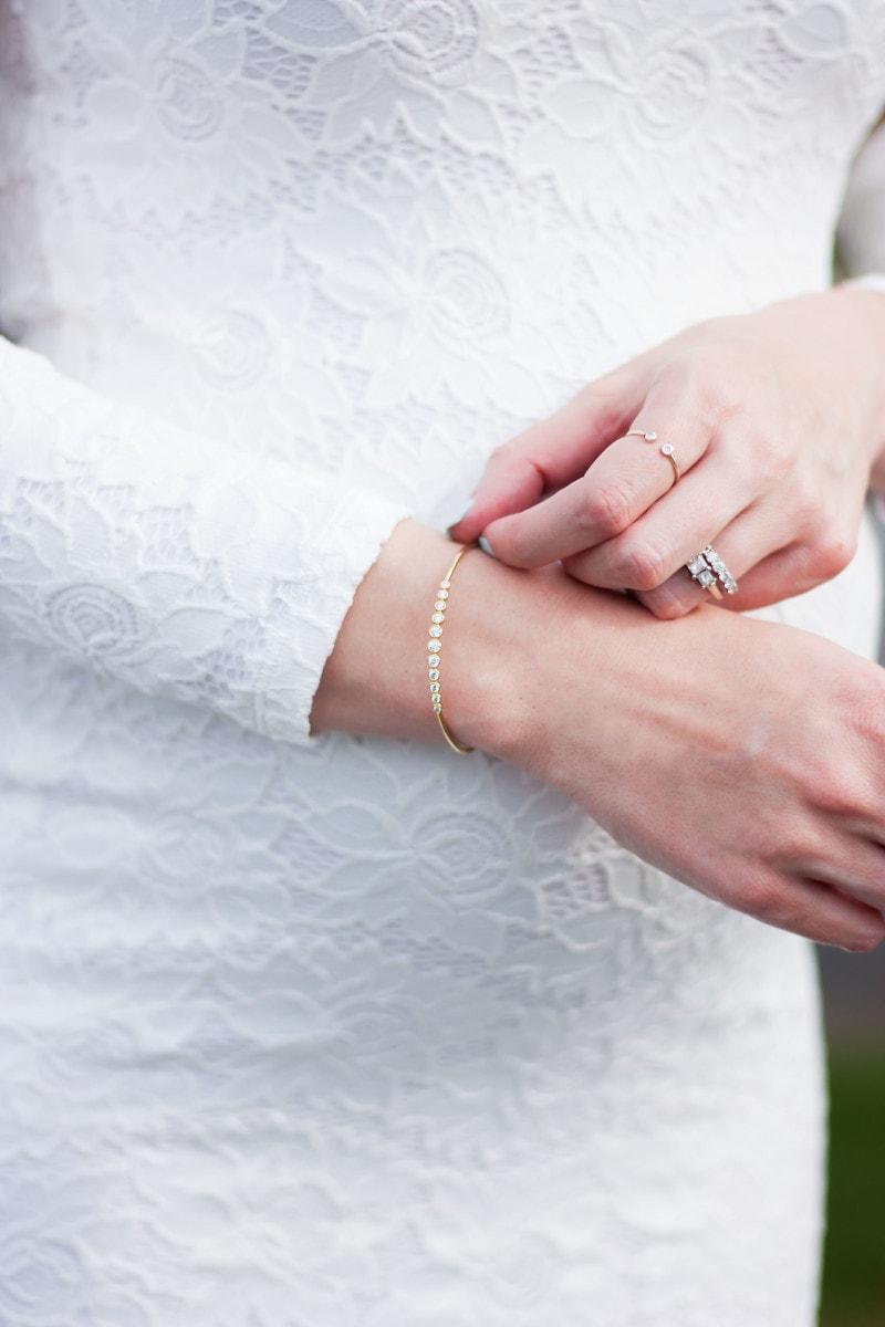 Minimalist bracelet from Motif Me