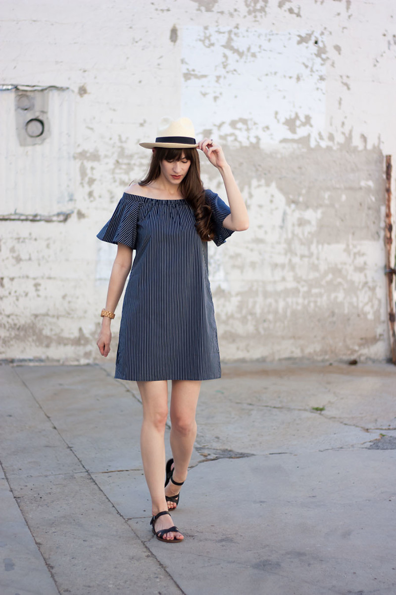 Style Blogger wearing Banana Republic Shift Dress