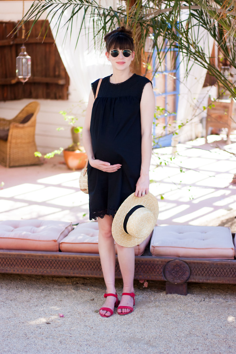 Pregnant Blogger wearing Who What Wear Collection dress