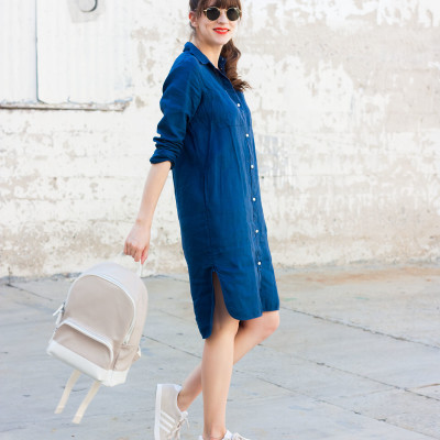 Los Angeles Fashion Blogger wearing Everlane LInen Dress, Everlane Backpack and Adidas Sneakers