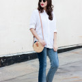 Minimalist Fashion Blogger wearing Everlane Linen Shirt