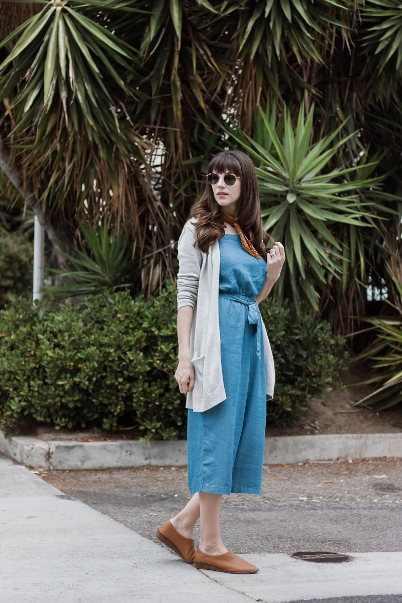 Minimalist Style Blogger wearing culotte Jumpsuit