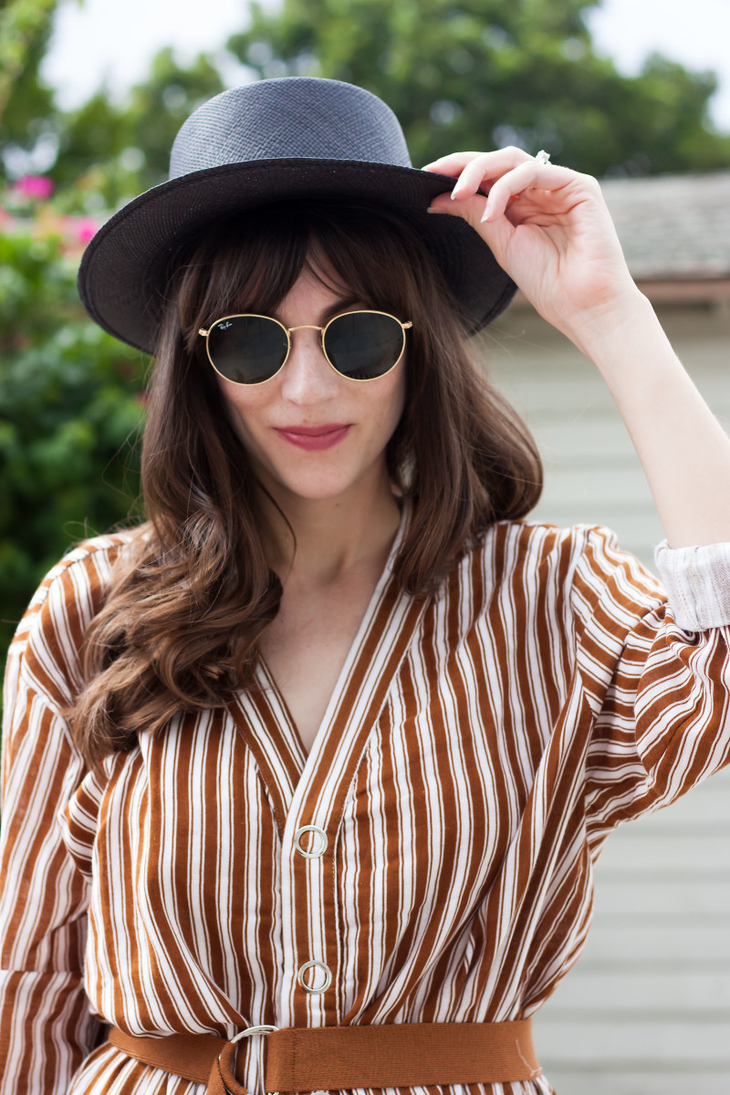 Los Angeles Style Blogger wearing Kin K hat and Rayban Round sunnies