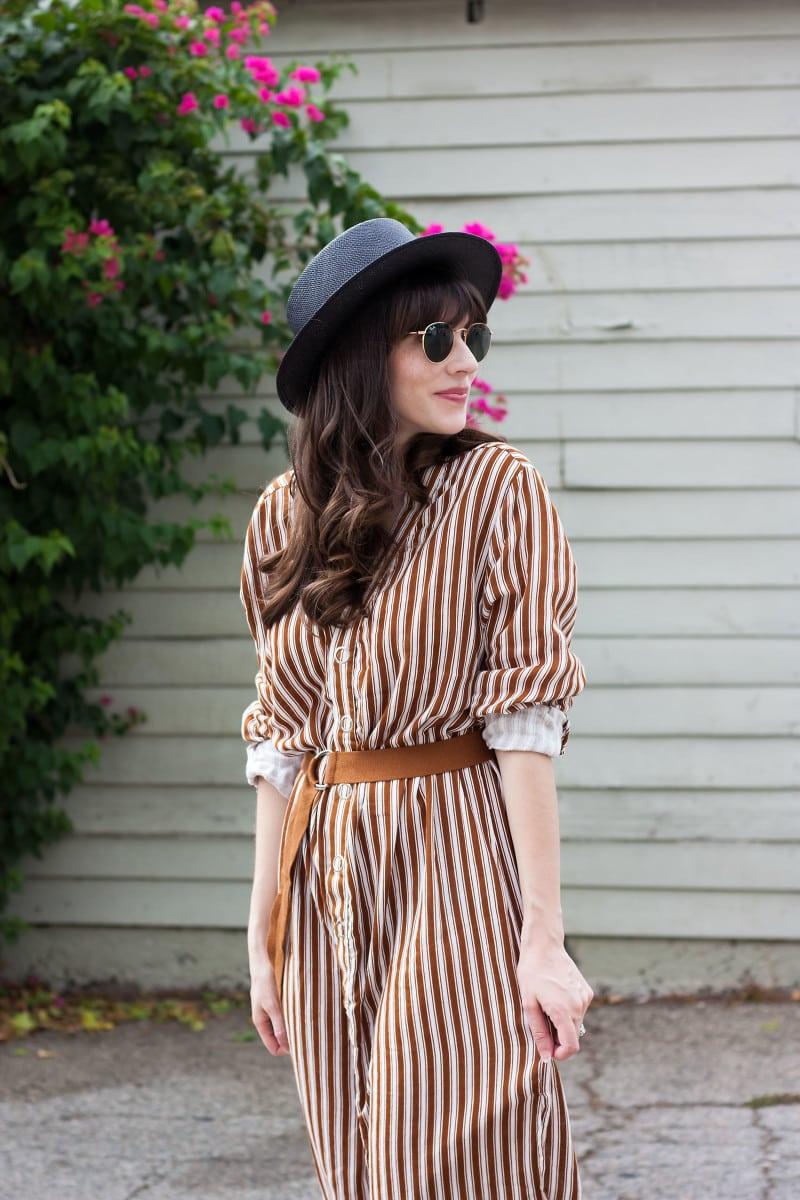 Los Angeles Style Blogger wearing Kin K straw hat