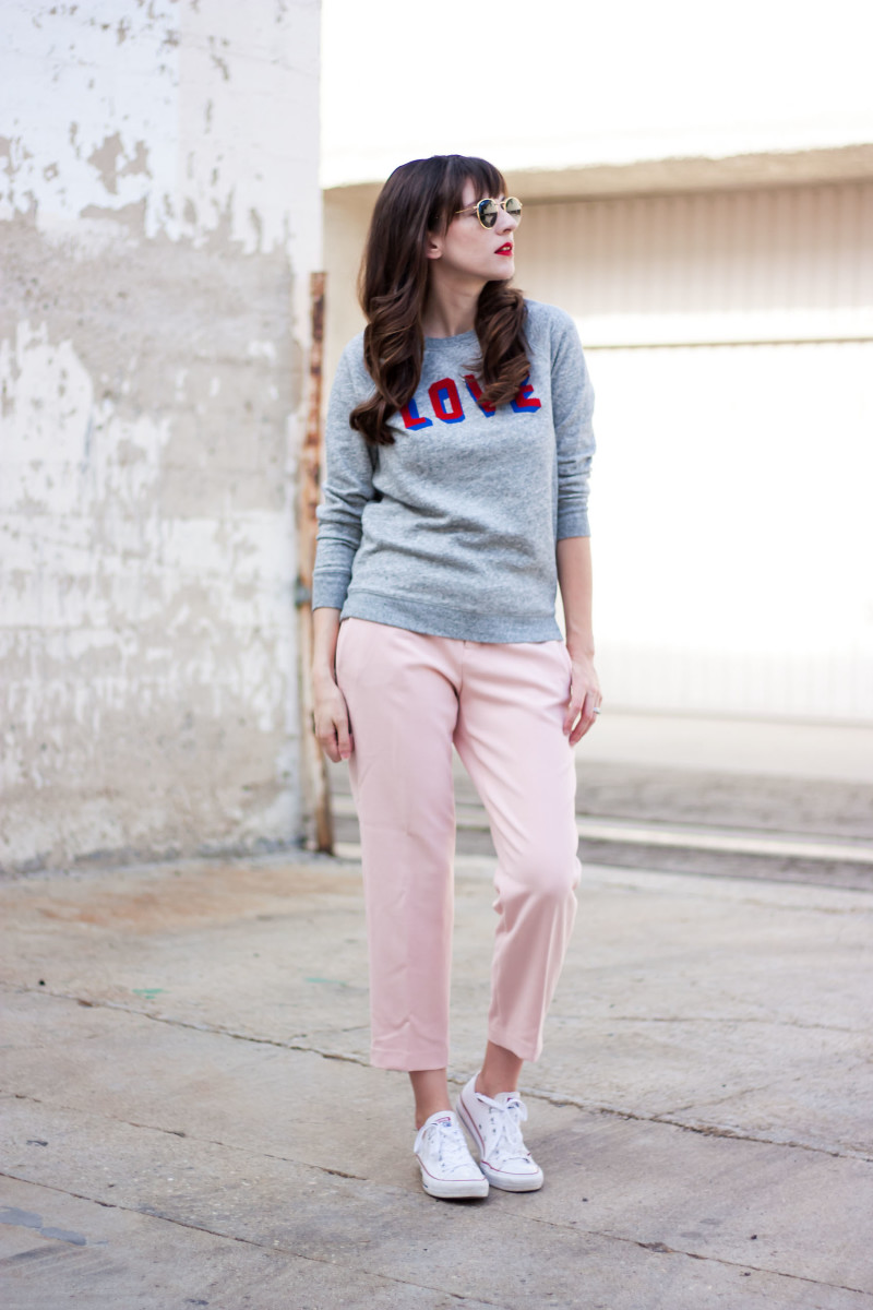 Jeans and a Teacup blogger wearing grey sweatshirt with pink trousers for back to school style