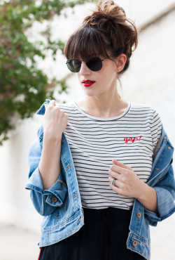Los Angeles Fashion Blogger wearing Lipsense Lipcolor and Old Navy Tee Shirt