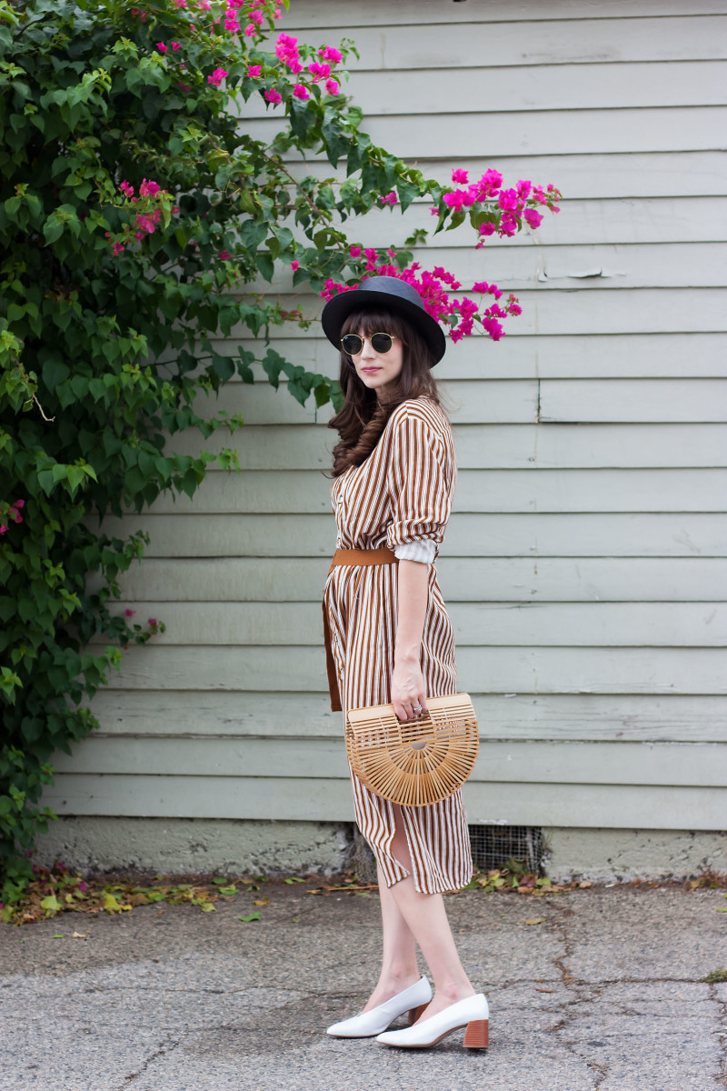 Los Angeles Fashion Blogger wearing a Moon River dress and Cult Gaia bag