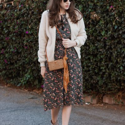 Los Angeles Style Blogger wearing a Old Navy fall floral dress