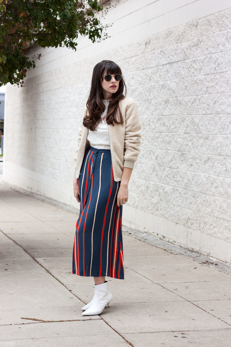 Los Angeles Fashion Blogger wearing a 70's inspired outfit