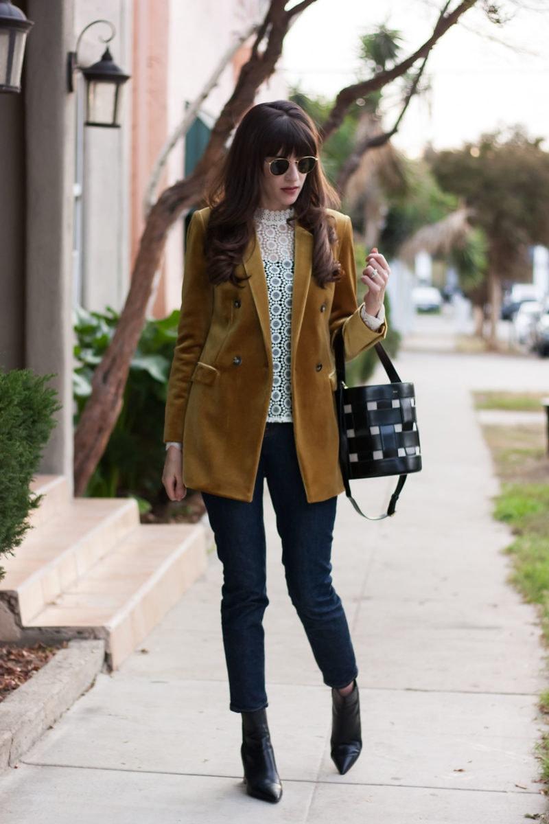Los Angeles Style Blogger wearing Everlane Denim, Topshop Blazer and Vasic Bag