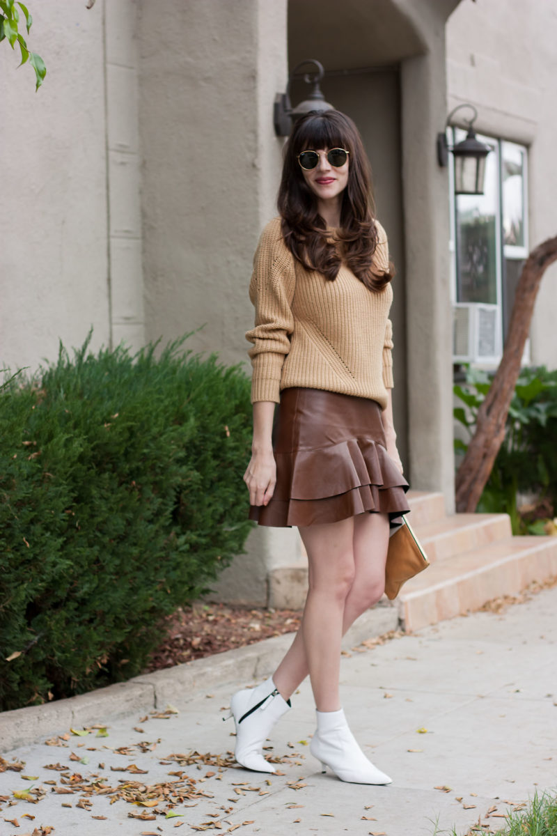 Los Angeles Minimalist Blogger wearing white Topshop booties and Banana Republic Sweater