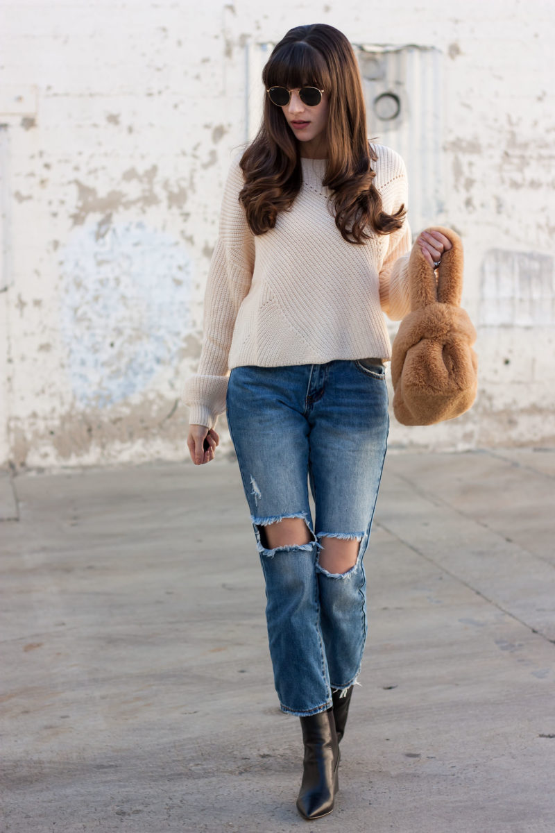 Style Blogger wearing Tobi Oversized Sweater and Boyfriend Jeans