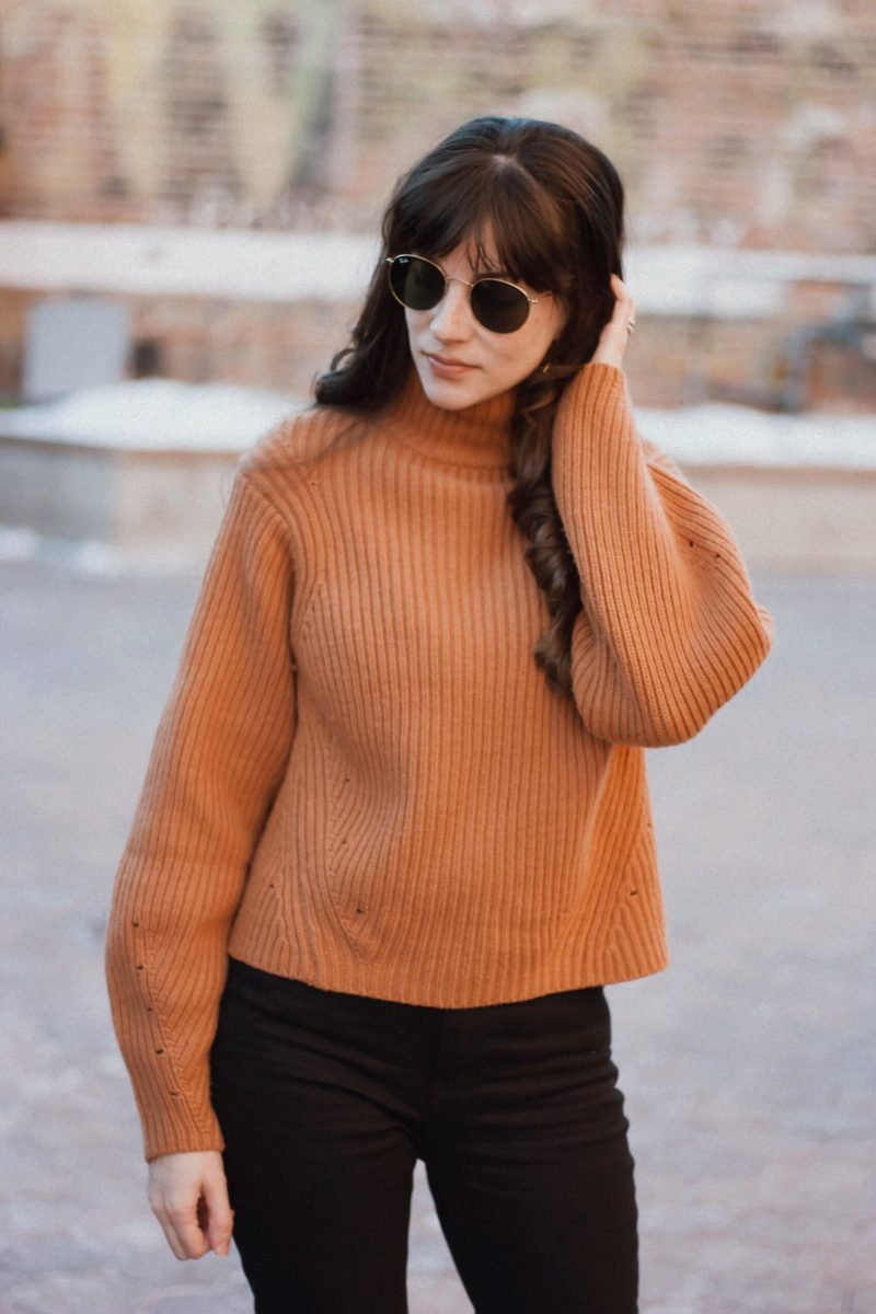 Cropped Camel Sweater with Ray ban Sunglasses
