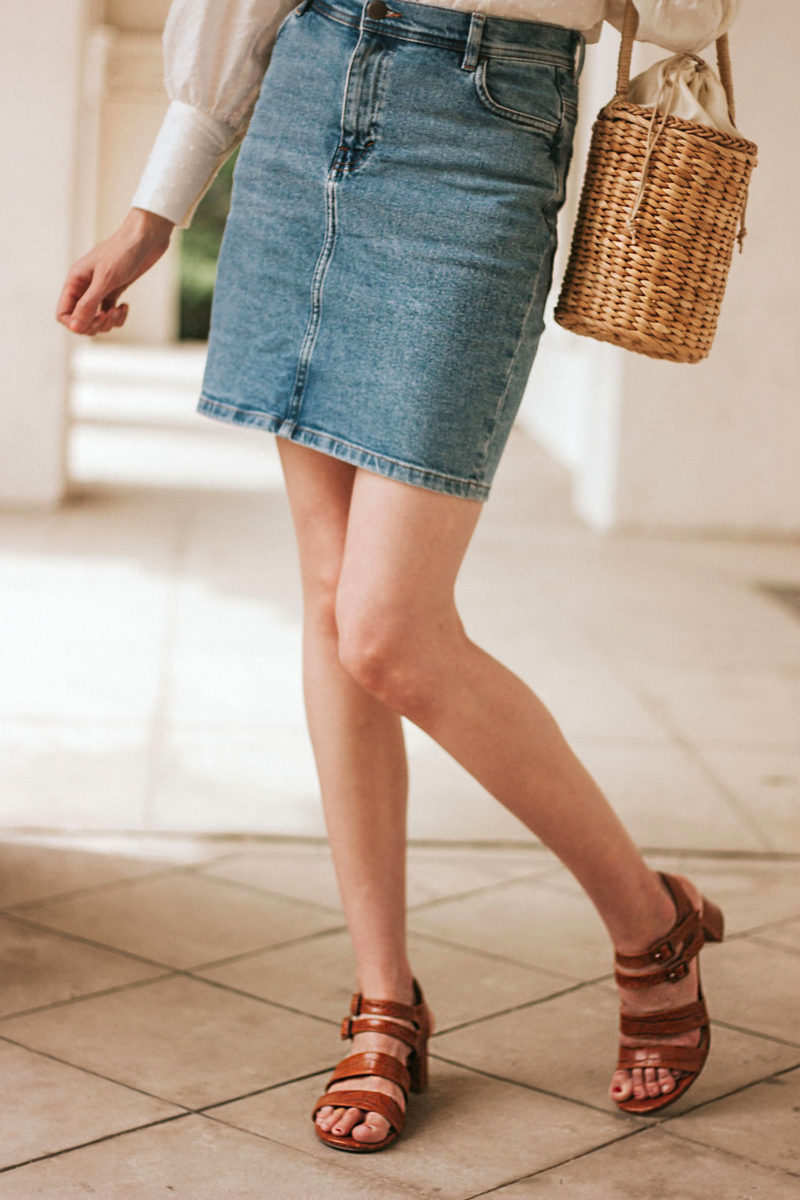 Marais USA croc sandals on Los Angeles style blogger