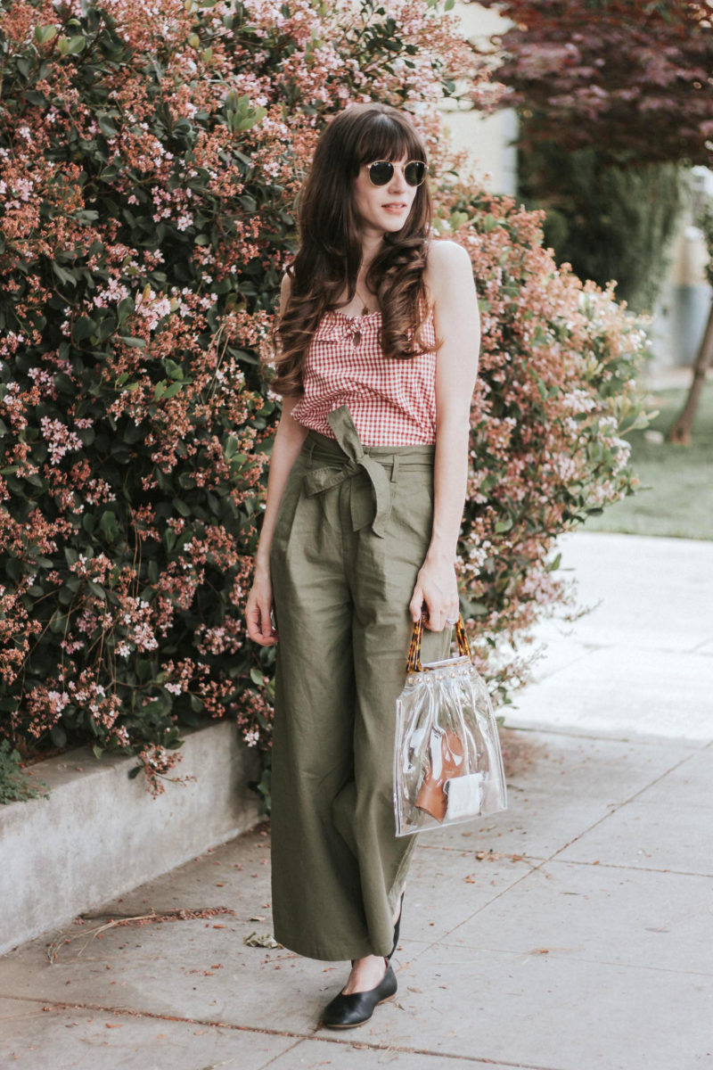 Los Angeles Blogger wearing Uniqlo Wide Leg Linen Pants, Sezane Top and