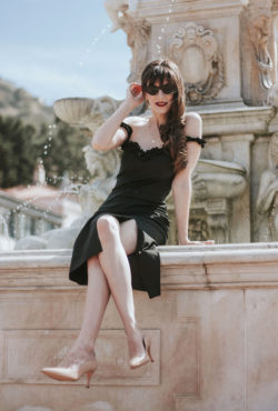 Fashion Blogger wearing an LBD from Musier Paris at Malaga Cove Fountain in Palos Verdes - French Girl Style