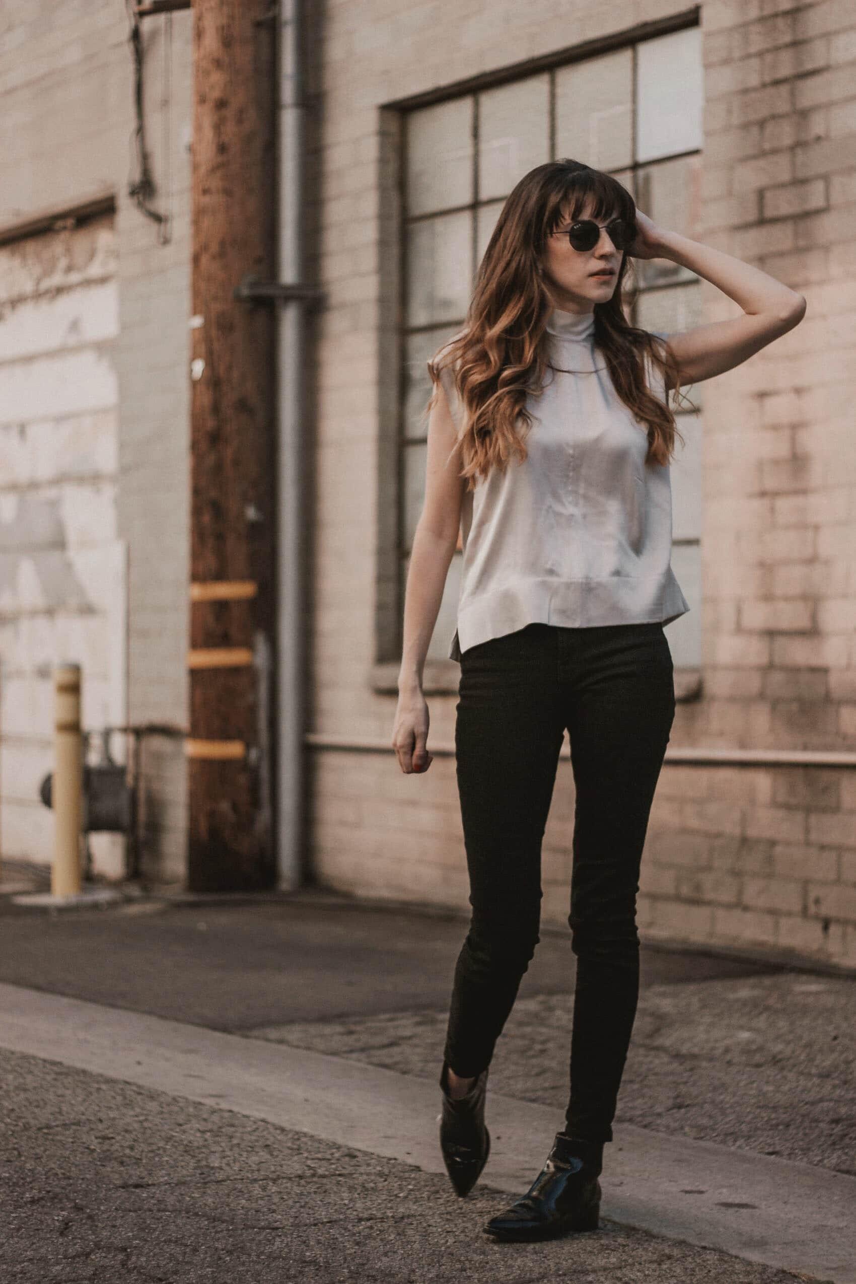 Los Angeles Blogger wearing sustainable fashion brand Everlane