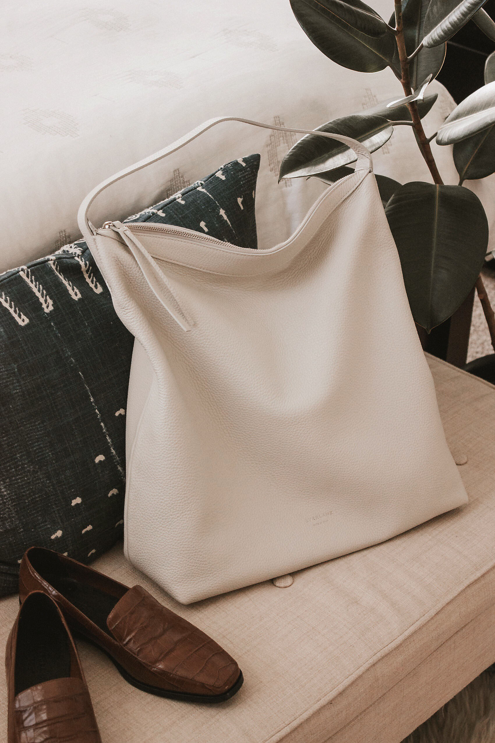 Everlane Boss Bag with Everlane Croc Loafers