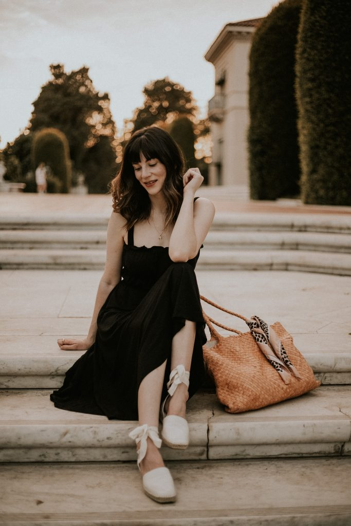 A black Dress with Classic Tote