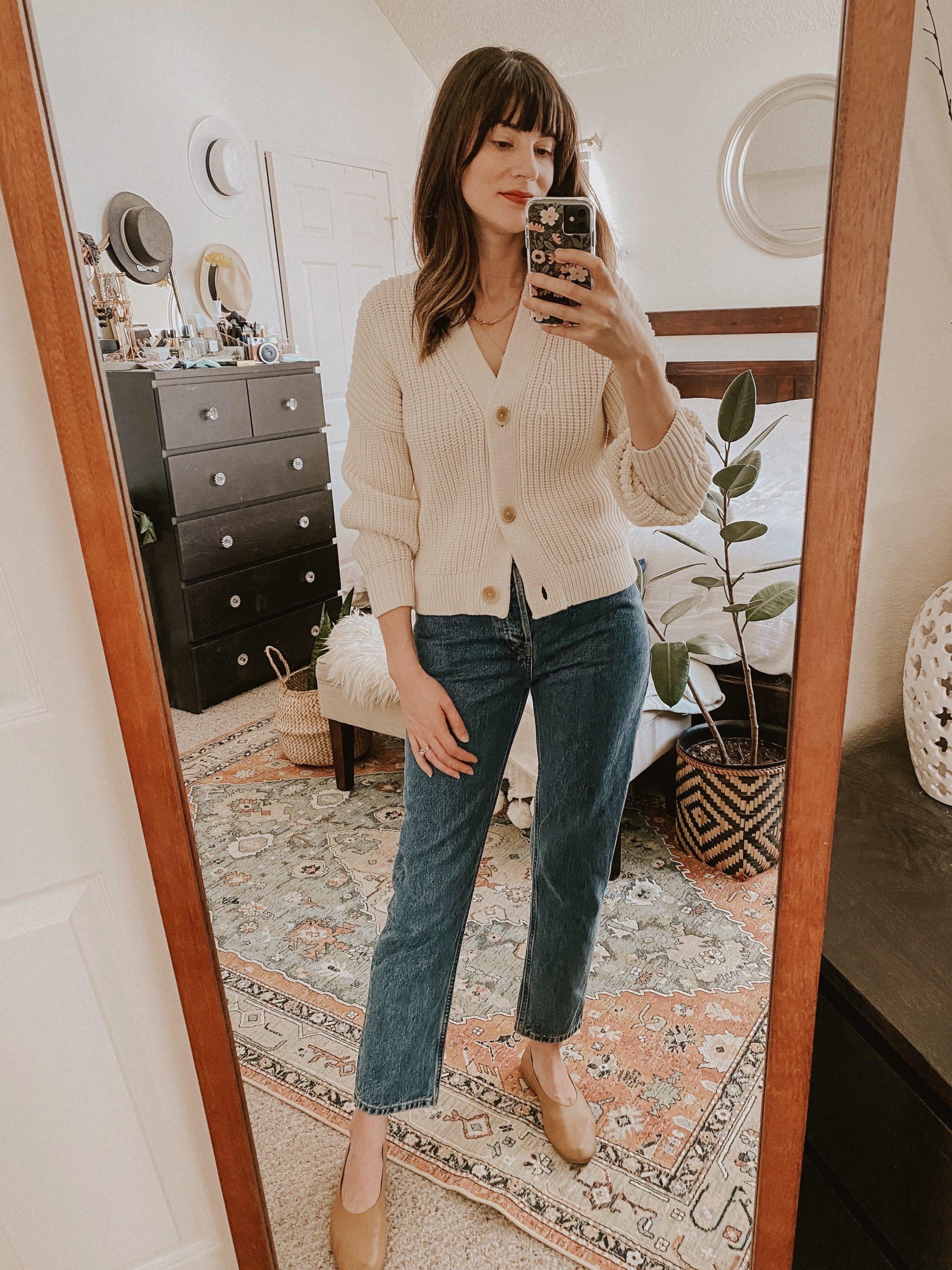 Los Angeles Fashion blogger wearing everlane chunky cardigan and denim