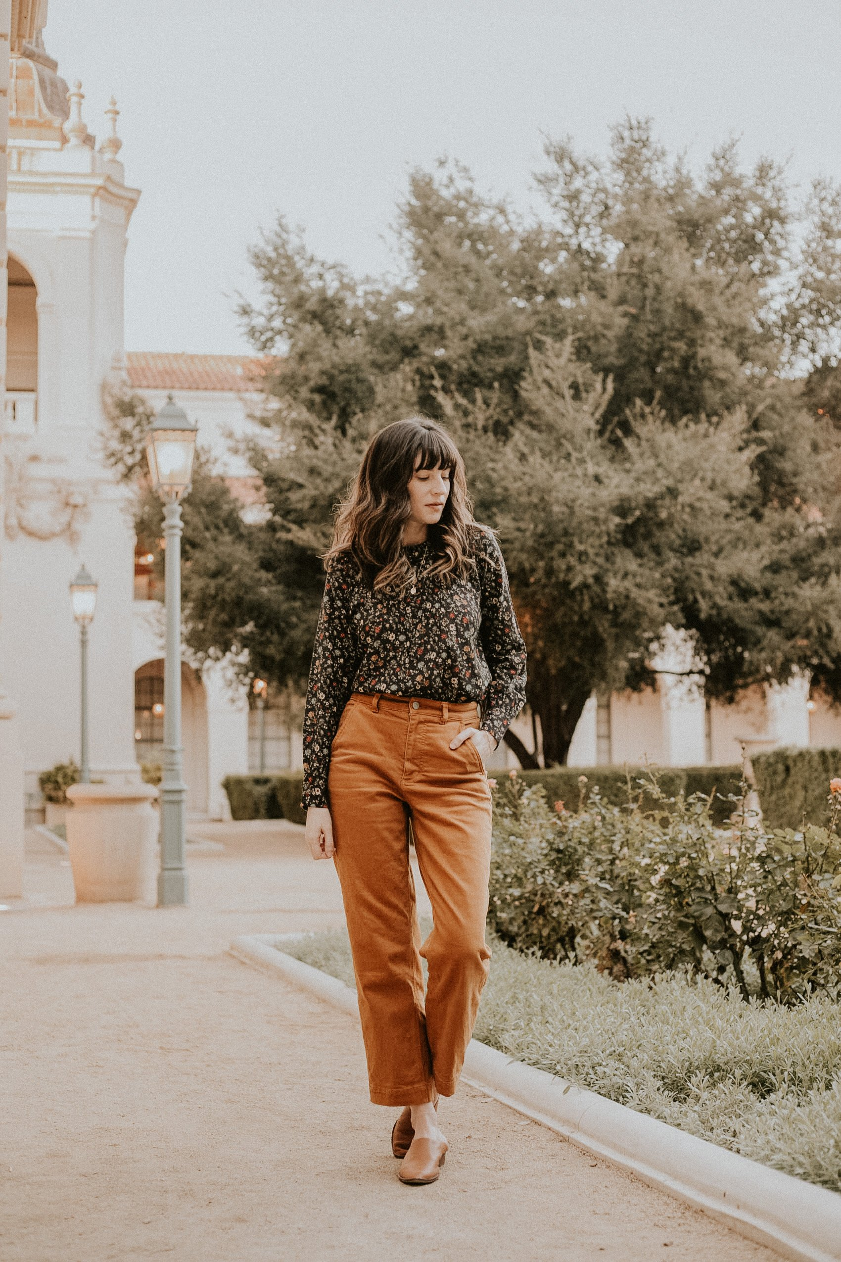 Doen Fall Floral Plum Top Review with Everlane Straight Leg Pants
